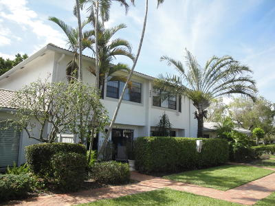 Boynton Beach Townhouse For Sale: 22 Stratford Drive #B