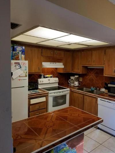 Greenacres Condo For Sale: 4727 Oak Terrace Drve Drive
