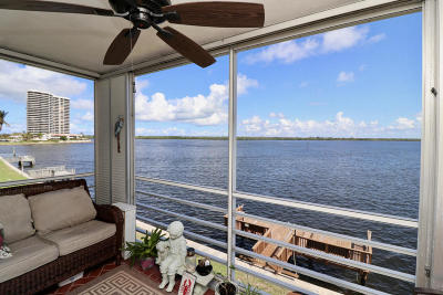 North Palm Beach Condo For Sale: 60 Yacht Club Drive #306