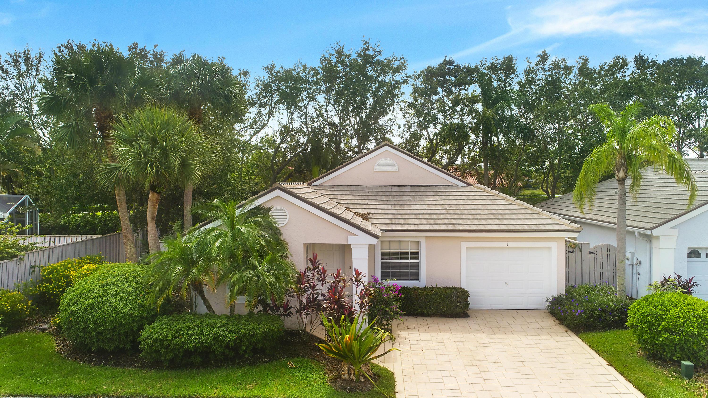 Listing: 1 Admirals Court, Palm Beach Gardens, FL.| MLS# RX-10376460 ...