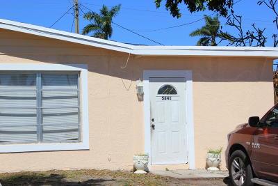 Davie Single Family Home For Sale: 5641 SW 39th Street