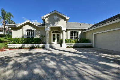 Tequesta Single Family Home For Sale: 18150 SE Ridgeview Drive