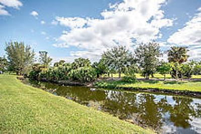 Royal Palm Beach Single Family Home For Sale: 194 Par Drive