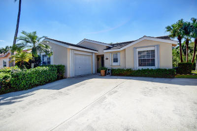 Greenacres Single Family Home For Sale: 132 Caribe Court