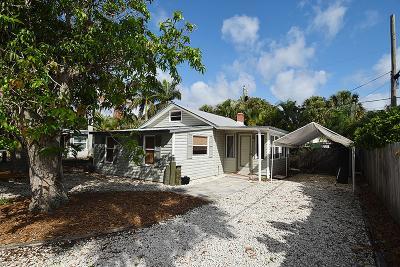 Jensen Beach Single Family Home For Sale: 2682 NE Pine Avenue