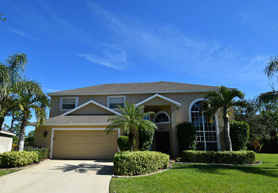 Jensen Beach Single Family Home For Sale: 305 NW Emilia Way