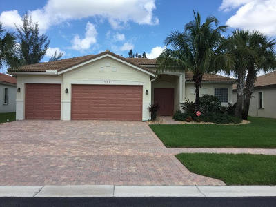 Delray Beach Single Family Home For Sale: 9404 Isles Cay Drive