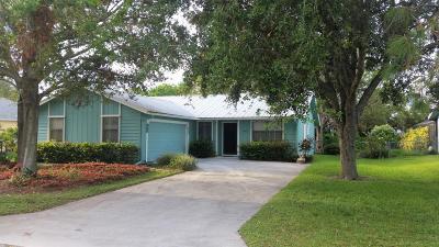 Stuart Single Family Home Contingent: 5043 SE Pine Knoll Way