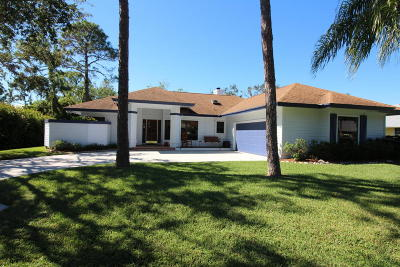 Palm City Single Family Home For Sale: 990 SW Hunt Club Circle