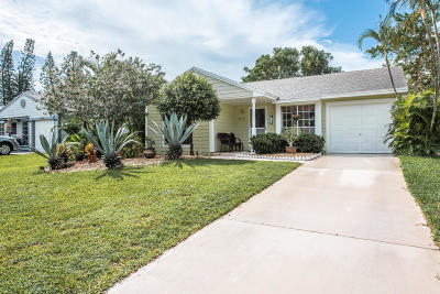 Boynton Beach Single Family Home For Sale: 9049 Chrysanthemum Drive