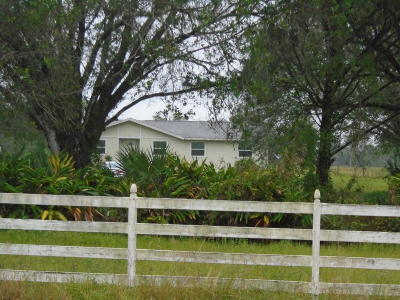 Port Saint Lucie Single Family Home For Sale: 11470 Carlton Road
