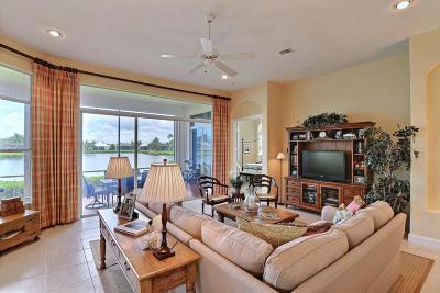 Vero Beach Single Family Home For Sale: 1204 W Island Club Square