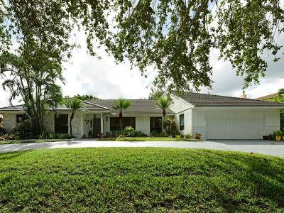 West Palm Beach Single Family Home For Sale: 2735 Embassy Drive