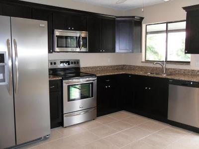 Boynton Beach Single Family Home For Sale: 48 Tara Lakes Drive E