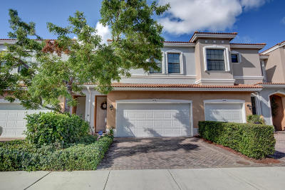 Delray Beach Townhouse For Sale: 154 W Astor Circle