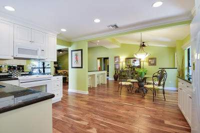 North Palm Beach Townhouse Contingent: 11348 Briarwood Place