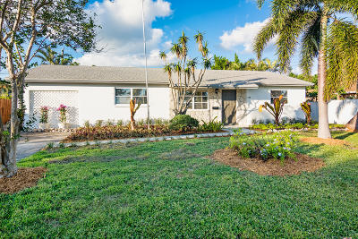 Palm Springs Single Family Home For Sale: 424 Alemeda Drive