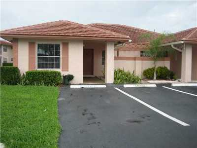 Boca Raton Single Family Home For Sale: 9945 Three Lakes Circle