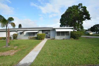 Delray Beach Single Family Home For Sale: 925 S Drive Terrace #D