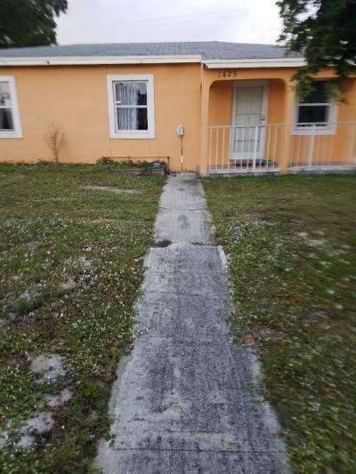 Lake Worth Single Family Home For Sale: 1425 S B