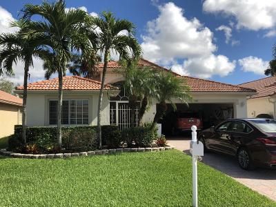 Boynton Beach Single Family Home For Sale: 5748 Royal Club Drive