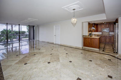 Dorchester Of Palm Beach Condo For Sale: 3250 S Ocean Boulevard #107-S
