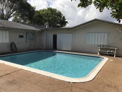 Deerfield Beach Multi Family Home For Sale: 118-120 NE 9 Avenue