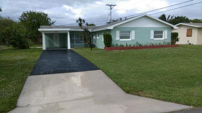 Palm Beach Gardens Single Family Home For Sale: 323 Camellia