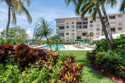 Palm Beach Condo For Sale: 3545 S Ocean Boulevard #111