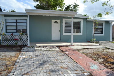 Lake Worth, Lakeworth Single Family Home For Sale: 300 Tulip Tree Dr