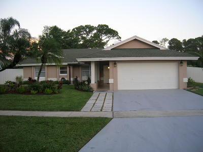 Royal Palm Beach Single Family Home Contingent: 145 Parkwood Drive