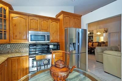 Wellington Single Family Home For Sale: 12781 Meadowbreeze Drive