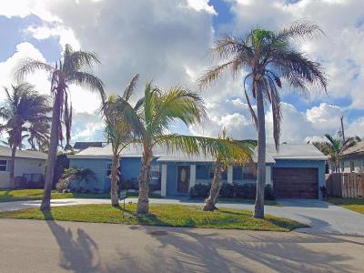 Palm Beach Shores Single Family Home For Sale: 208 Linda Lane