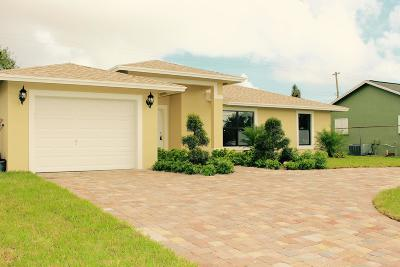 Lake Worth Single Family Home For Sale: 6816 S Congress Avenue