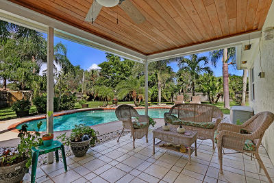 Jupiter Single Family Home Contingent: 152 Stillwater Circle