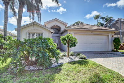 Delray Beach Single Family Home For Sale: 7374 Cortes Lake Drive