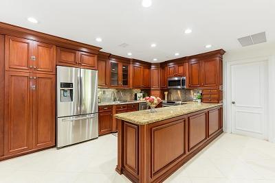 Single Family Home For Sale: 828 Camino Gardens Lane