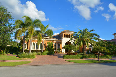 Port Saint Lucie Single Family Home For Sale: 134 SE Rio Casarano