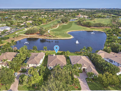 Jupiter Single Family Home For Sale: 109 S Village Way