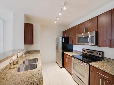 Fort Lauderdale FL Condo For Sale: $218,000