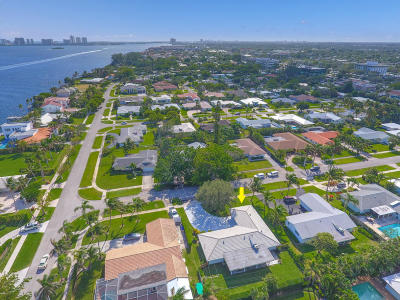North Palm Beach Single Family Home For Sale: 107 Dory Road S