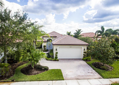 West Palm Beach Single Family Home For Sale: 6570 Sparrow Hawk Drive