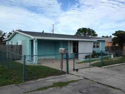 Lantana Single Family Home For Sale: 1307 Flamingo Drive