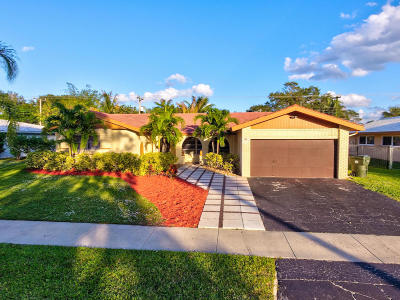 Boca Raton Single Family Home For Sale: 98 SW 9th Avenue