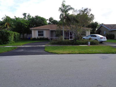 Boca Raton Single Family Home For Sale: 19714 Carolina Circle