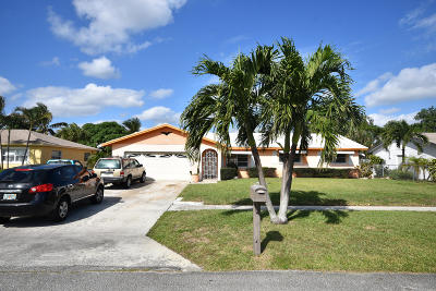 Delray Beach Single Family Home For Sale: 2941 Angler Drive