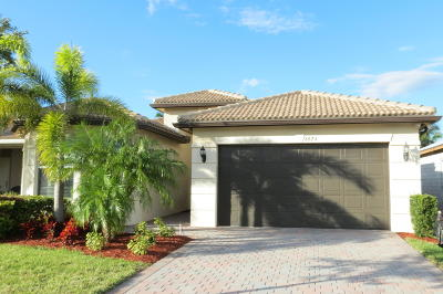 Boynton Beach Single Family Home For Sale: 8673 Carmel Mountain Way