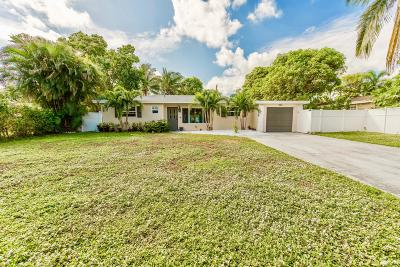Delray Beach Single Family Home For Sale: 562 Davis Road