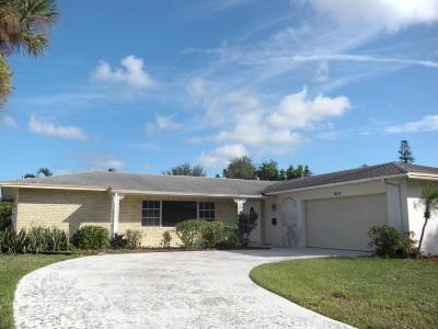 Palm Beach Gardens Single Family Home For Sale: 9816 Honeysuckle Avenue