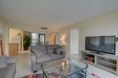 North Palm Beach Condo Contingent: 336 Golfview Road #318